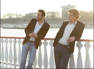 """Ben Mendelsohn and Ryan Reynolds in """"Mississippi Grind"""""""