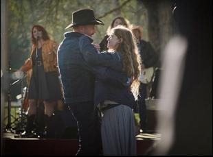 "François Damiens and Iliana Zabeth in ""Les Cowboys"""