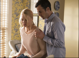 """Rebecca Ferguson and Justin Theroux in """"Girl on the Train"""""""