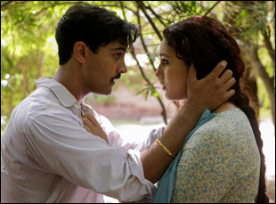 """Huma Qureshi and Manish Dayal in """"Viceroy's House"""""""