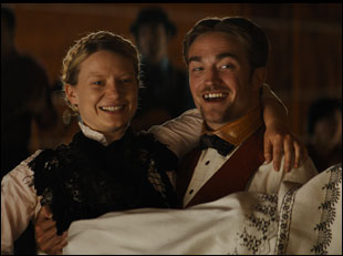 "Robert Pattinson and Mia Wasikowska in ""Damsel"""