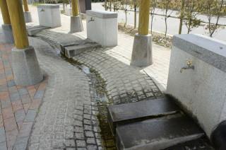 栗野駅湧き水の蛇口