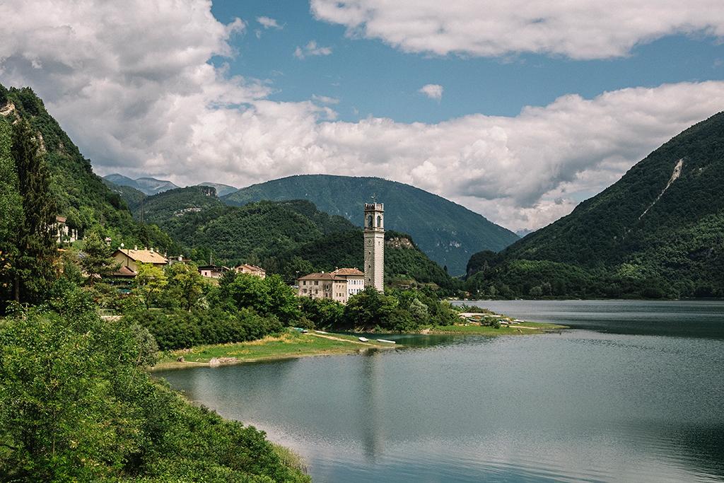 campanile lago del corlo blog di viaggi