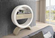 Consola em lacado alto brilho branco e creme. Peças de mobiliário que transformam os ambientes.
