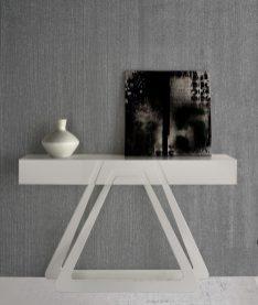 Consola em lacado cinza mate. Peças de mobiliário que transformam os ambientes.