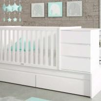Convertível em lacado branco. Mobiliário para bebé em lacado branco e creme. Visite-nos e conheça a nossa colecção de mobiliário para bebé!