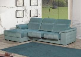 Sofá Chaiseloungue com costas reclináveis e assentos deslizantes estofado em tecido. Cada modelo tem várias medidas e revestimentos (tecidos e peles) possíveis.