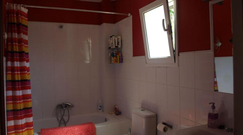 Lower Floor Family Bathroom