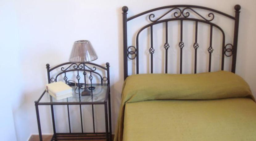 apartment-bedroom3