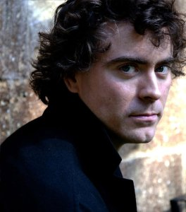 Pianist Paul Lewis