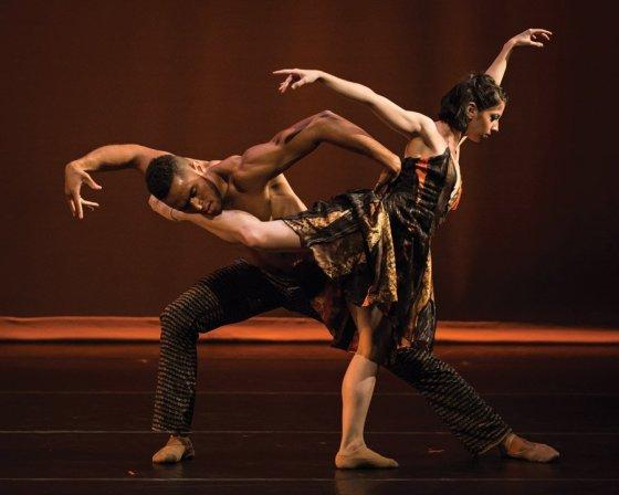 "Cincinnati Ballet dancers James Gilmer and Christina LaForgia Morse in Jennifer Archibald's ""Sit,"" 2014 (Photo: Peter Mueller)"
