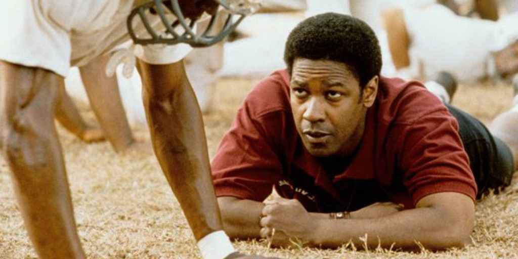 Denzel-Washington-in-Remember-The-Titans screen rant