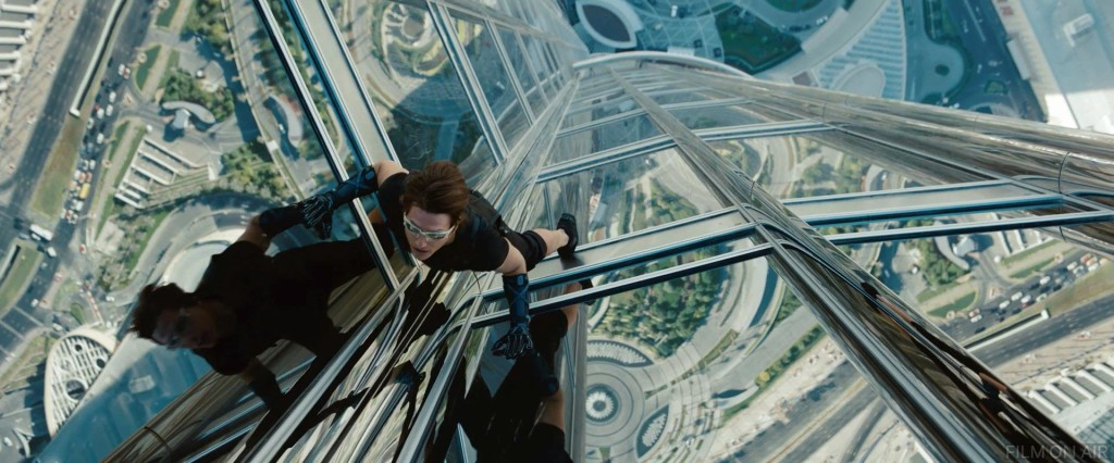 http://drnorth.files.wordpress.com/2012/08/tom_cruise_burj_khalifa.jpeg