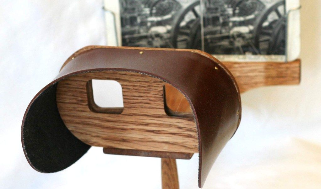 http://upload.wikimedia.org/wikipedia/commons/f/f6/Holmes_stereoscope.jpg
