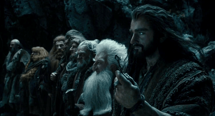http://threerowsback.files.wordpress.com/2013/12/the-desolation-of-smaug-review.png?w=740