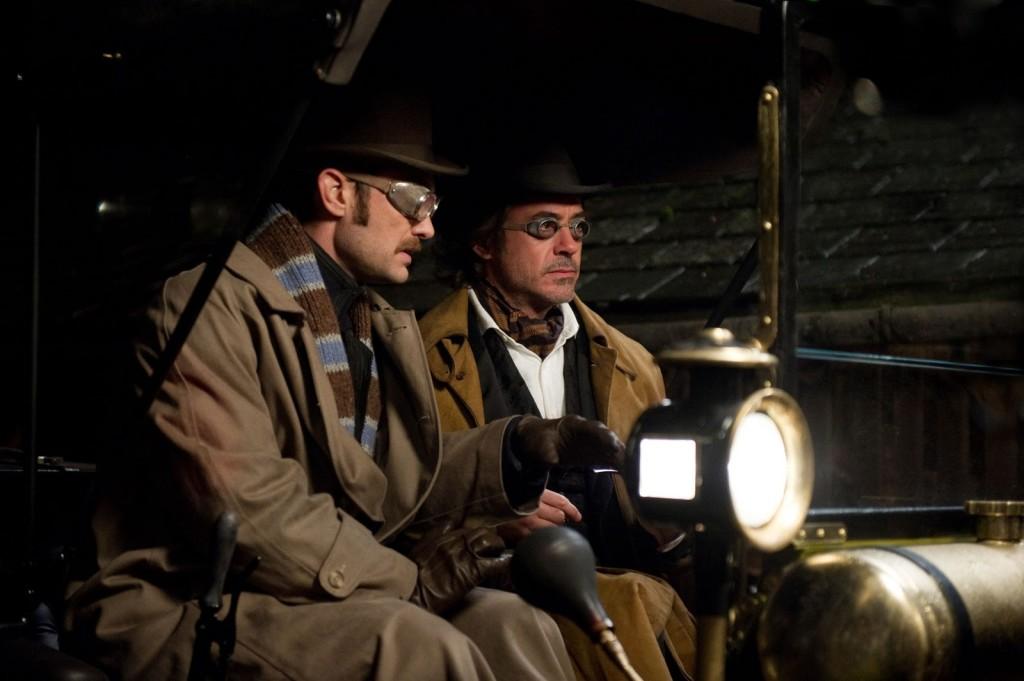 http://1.bp.blogspot.com/-yJtS5rZrz8U/TwYB2LSr-fI/AAAAAAAAAsc/XAe-NlMT134/s1600/Sherlock+Holmes+movie.jpg