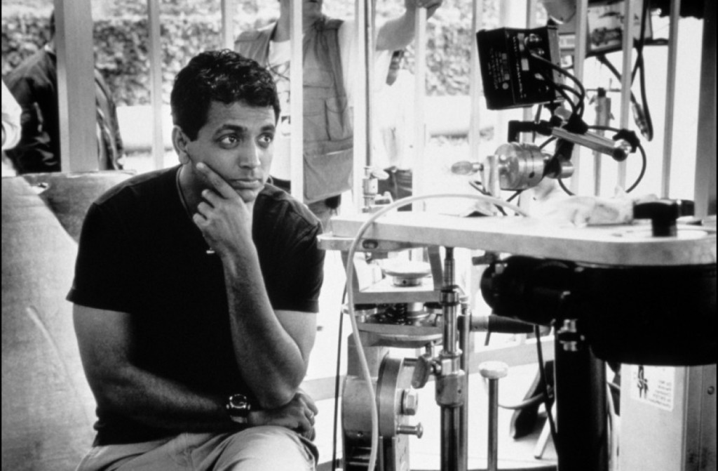 http://media.salon.com/2010/10/m_night_shyamalan_on_the_movie_set_for_unbreakable.jpg