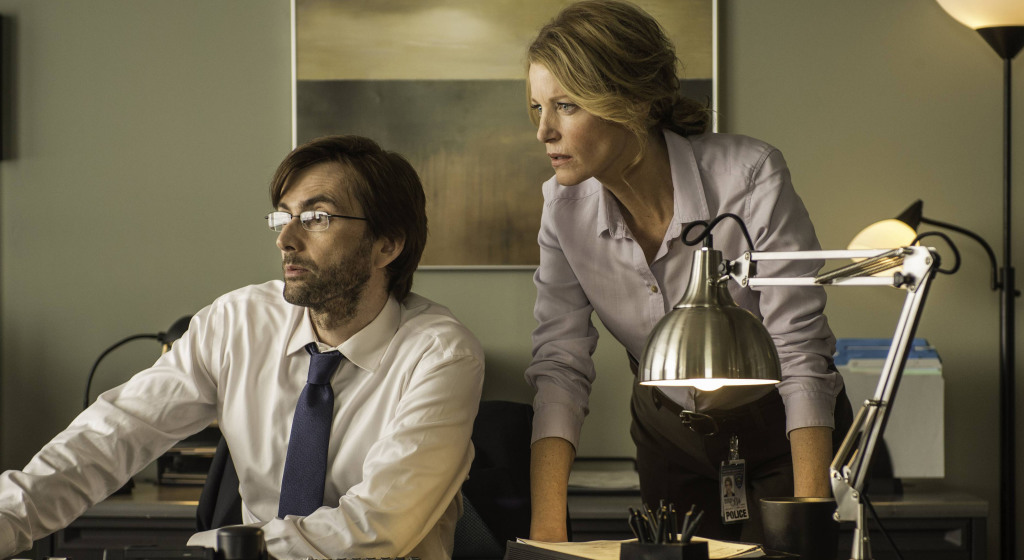 http://collider.com/wp-content/uploads/gracepoint-episode-two-david-tennant-anna-gunn.jpg