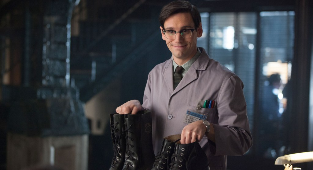 http://www.gothamsite.com/wp-content/gallery/what-the-little-bird-told-him/gotham-ep112_scn18_18857_hires1.jpg
