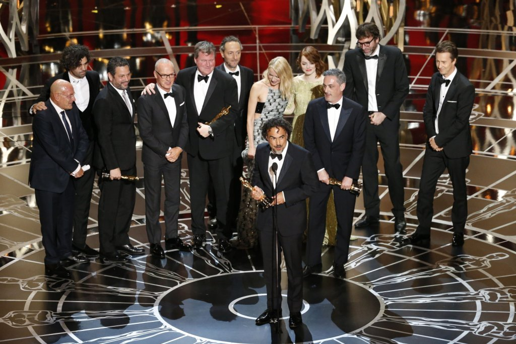 https://filmfrontier.files.wordpress.com/2015/02/oscars-birdman1.jpg