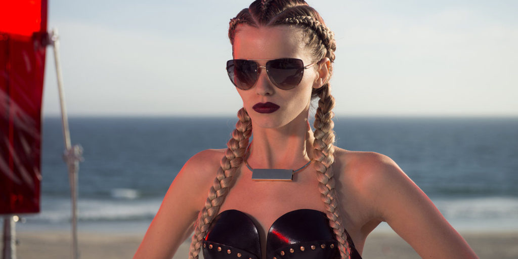 http://screenrant.com/wp-content/uploads/neon-demon-movie-reviews-abbey-lee.jpg
