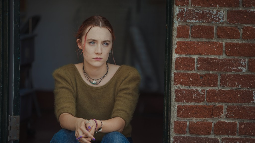 https://media.vanityfair.com/photos/59aa467cdbf2dc4cd1e48c06/16:9/pass/lady-bird-telluride-review-saoirse-ronan.jpg