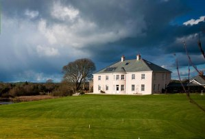 Dunnanelly Country House