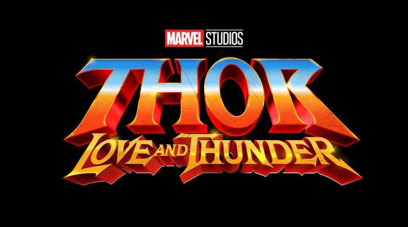 """Chris Hemsworth and Taika Waititi Are """"Super Relaxed"""" in Thor: Love and Thunder Wrap Photo"""