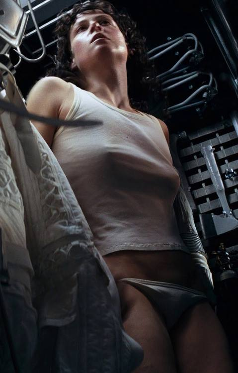 sigourney-weaver-nipples-erect-in-panties-alien-1979