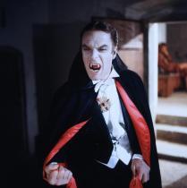 Gianni-Garko-Dracula-Blows-His-Cool