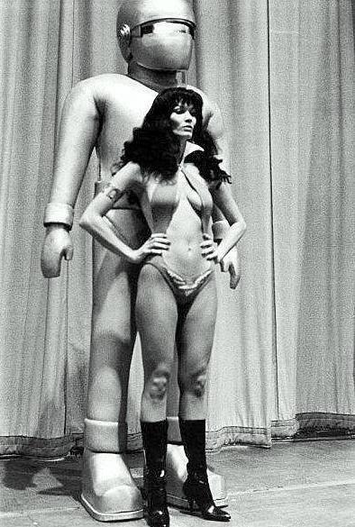 gort and vampirella 1975