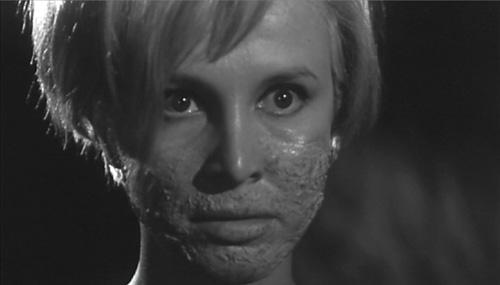 miss_muerte_disfigured_face