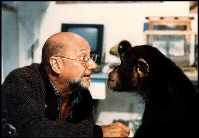 phenomena-donald-pleasence-monkey