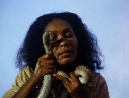 night-of-the-cobra-woman-1