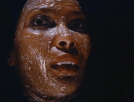 night-of-the-cobra-woman-5