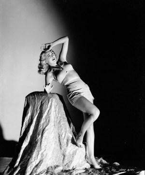 House-of-Horrors-1945-Joan-Fulton