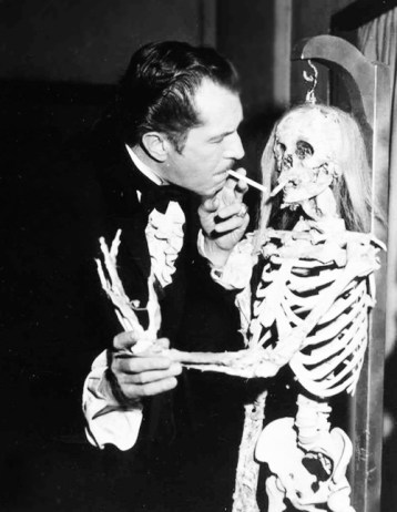 Vincent-Price-skeleton-Twice-Told-Tales