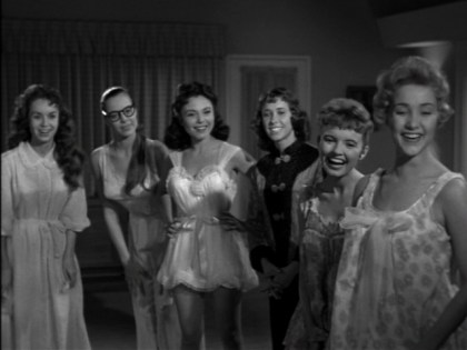 Ghost-of-Dragstrip-Hollow-1959-slumber-party
