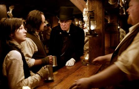 I SELL THE DEAD, Larry Fessenden (second from left), Angus Scrimm (center of frame), 2008. Ph: Lee Nussbaum/©IFC Films
