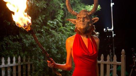 devils-domain-2016-horror-movie-devil-mask