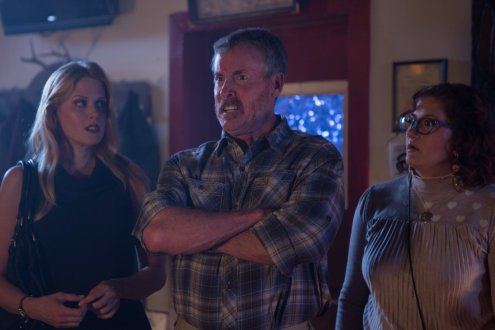 john-c-mcginley-deborah-baker-jr-and-janet-varney-in-stan-against-evil-2016