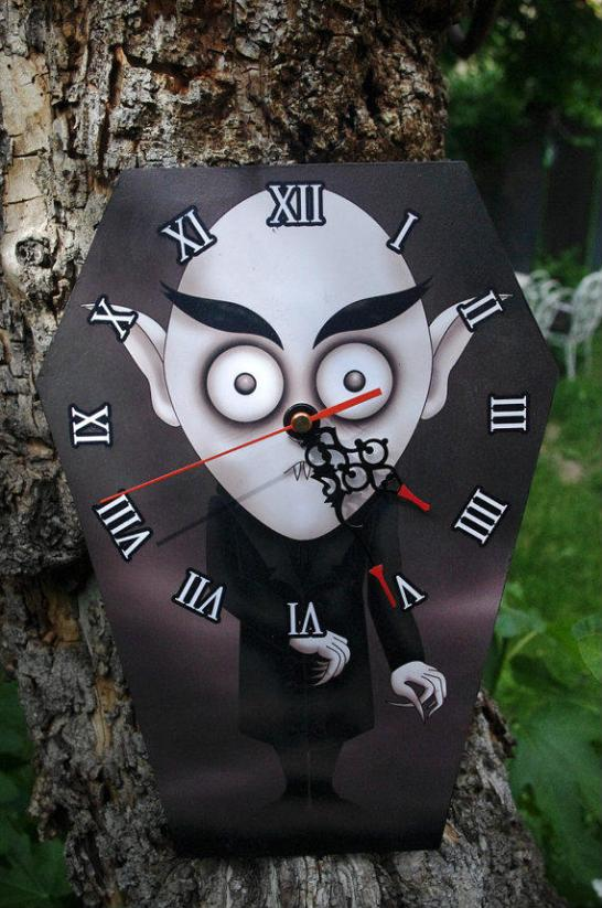 horror-clock-nosferatu