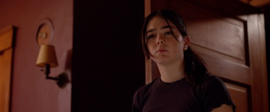 Dolls-2019-review-movie-film-horror-Trinity-Simpson