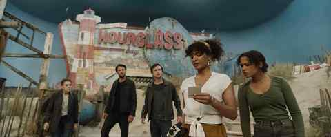 Escape-Room-Tournament-of-Champions-movie-film-action-horror-2021-Holland-Roden-Logan-Miller-Taylor-Russell-Thomas-Cocquerel-Indya-Moore