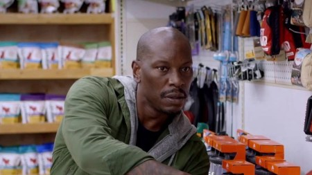 Rogue-Hostage-movie-film-action-thriller-2021-review-reviews-Tyrese-Gibson