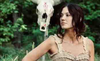 skinwalker-movie-film-horror-western-2021-Eva-Hamilton