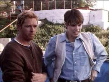 Piranha-movie-film-1995-sci-fi-horror-review-reviews-William-Katt-Alexandra-Paul