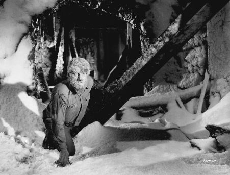 Frankenstein-Meets-the-Wolf-Man-movie-film-horror-Universal-1943-review-reviews-Lon-Chaney-Jr-werewolf