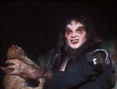 Howling-VI-The-Freaks-movie-film-horror-werewolf-vampire-1991-review-reviews-Brendan-Hughes-scaredy-cat