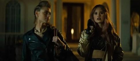 Night-Teeth-movie-film-horror-vampires-2021-Netflix